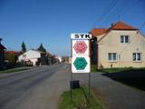 Směrovka u hlavní silnice